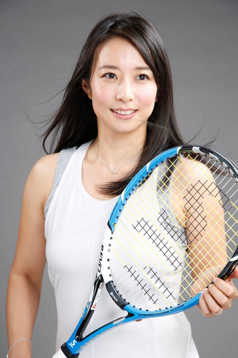 女性テニスプレーヤーのプロフィール撮影 プロフィール写真
