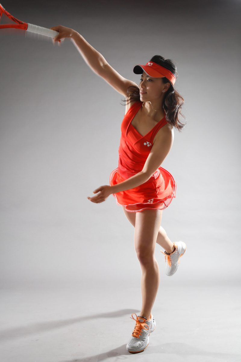 女性テニスプレーヤーのポートレート撮影 プロフィール写真