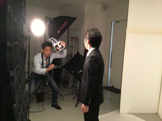 選挙ポスター用プロフィール写真 撮影中